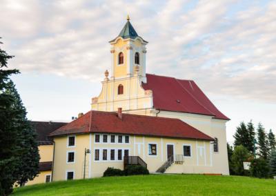 Kirche Klostermarienberg im November