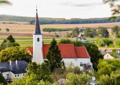 Kirche Mannersdorf im März