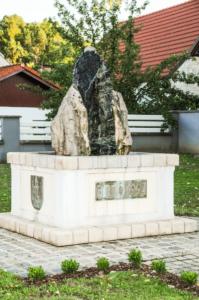 Brunnen bei der Dreifaltigkeit in Mannersdorf